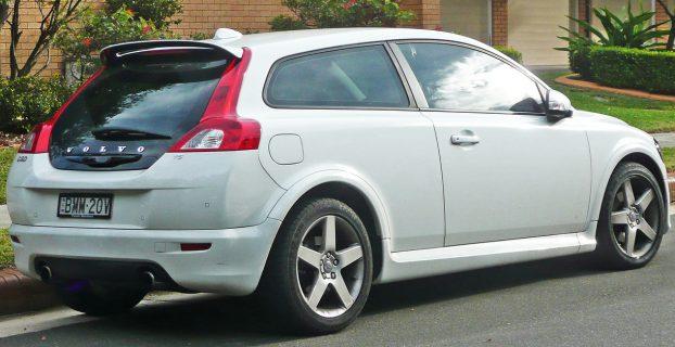 1280px-2008-2009_Volvo_C30_T5_hatchback_02