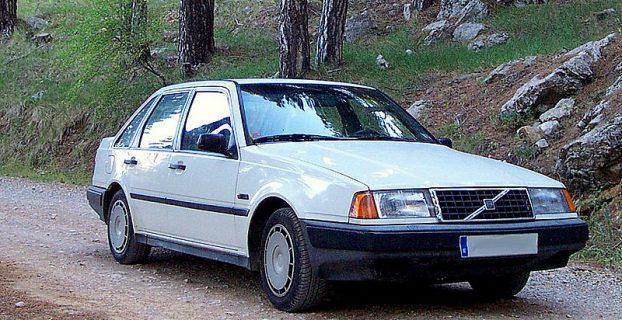 800px-Volvo_440