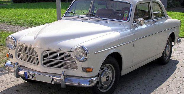 800px-auto_volvo_121_6